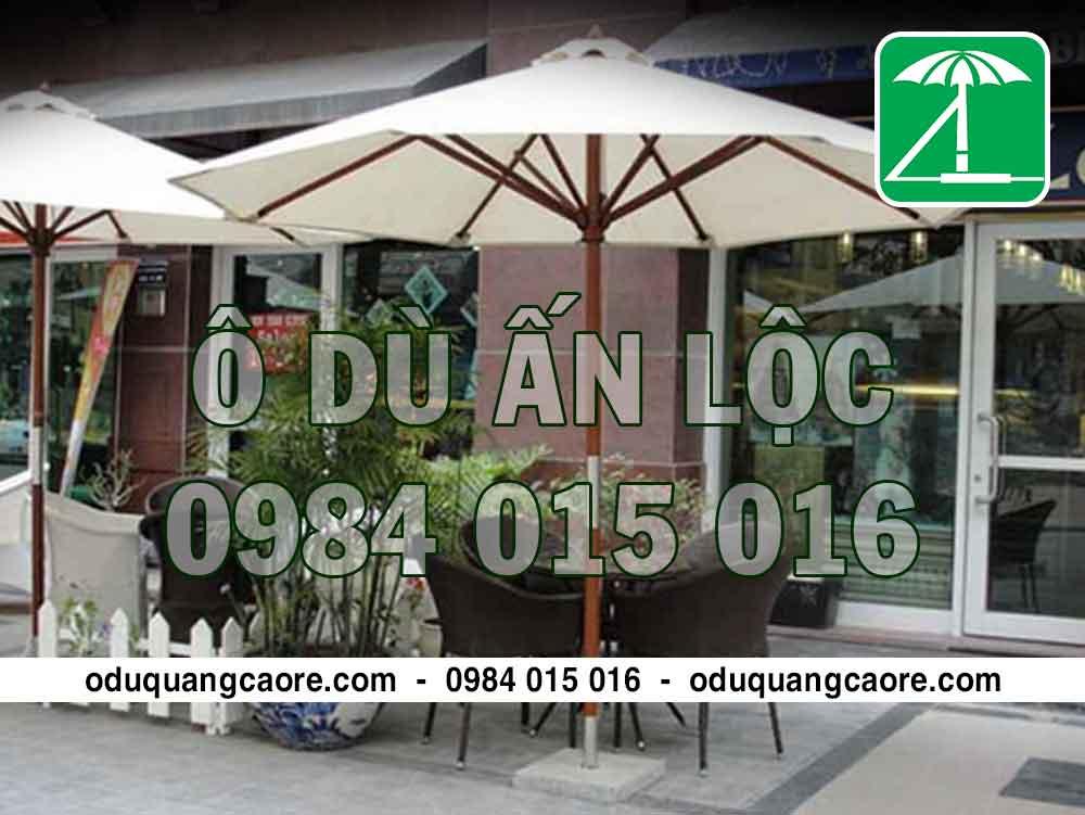 ô dù quán cafe